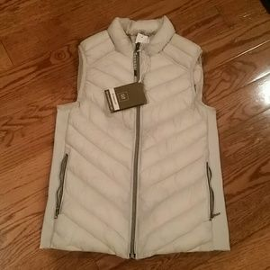 Ladies Gap Primaloft cream Puff Vest